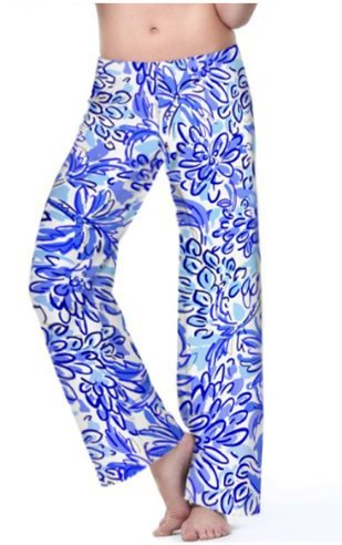 A pair of comfortable palazzo pants that allows pregnant women to move more comfortably.